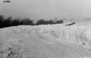 Highworth in the snow photograph 1094