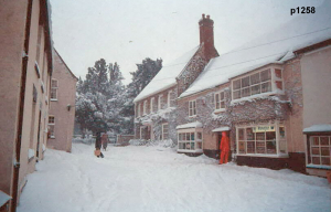Highworth in the snow photograph 1258